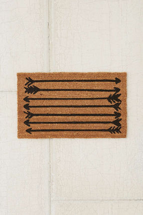 ★Urban Outfitters Arrows Doormat 玄関マット★