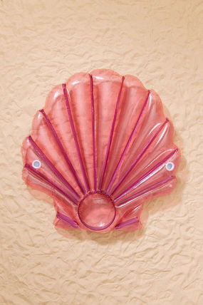 Urban out Shell Pool Float float
