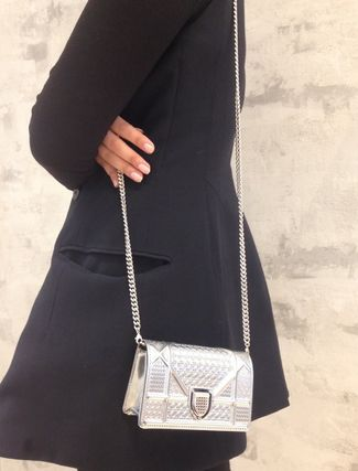 Dior ショルダーバッグ・ポシェット 無性に欲しい★DIOR★BABY DIORAMA SHOULDER in SILVER