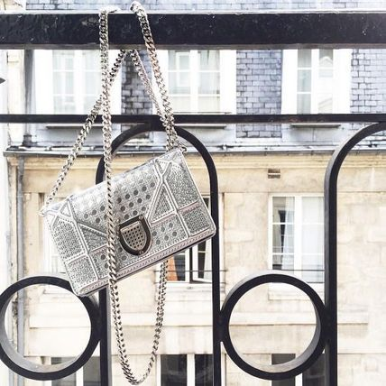 Dior ショルダーバッグ・ポシェット 無性に欲しい★DIOR★BABY DIORAMA SHOULDER in SILVER(2)
