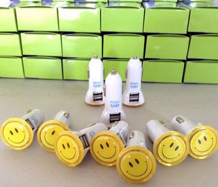 Cute smiley car charger with iPhone Android Apple Sony