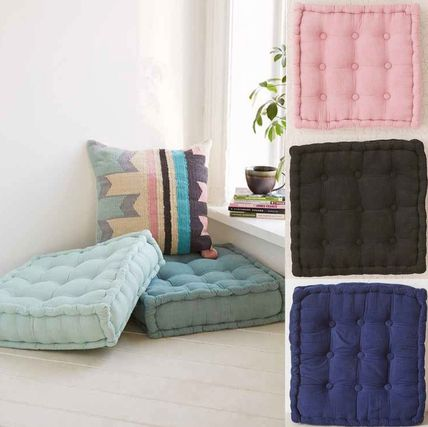 New UO * square cushion single or 2-piece set