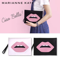 Marianne kate★CIAO BELLA リップ クラッチバッグ(2color)