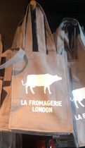 Waterstones(ウォーターストーンズ) トートバッグ 【UK限定】LA FROMAGERIE LONDON〓ANIMAL PRINT Tote Bag