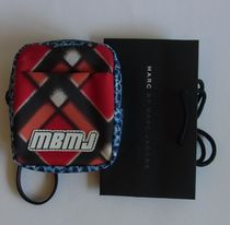 即発【MARC BY MARC】PRINTED CORDURA CAMERA CASE