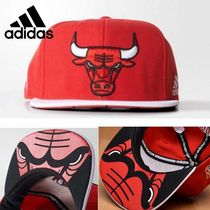 adidas正規品★NBA Collection  BULLS FLAT BRIM CAP red