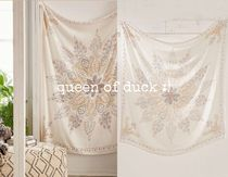 【Urban Outfitters】Plum & Bow Folky Tapestry*送込♪
