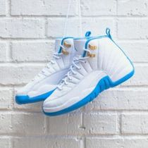 入手困難!! NIKE AIR JORDAN 12 RETRO WHITE/BLUE キッズサイズ