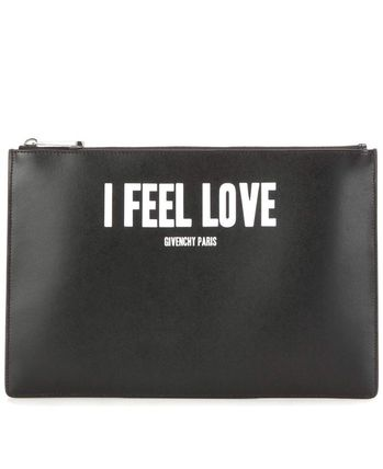 ★Givenchy★ Iconic Print Leathernecks clutch