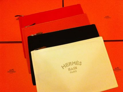 In the magazine performance sold out at HERMES Pouch clutch