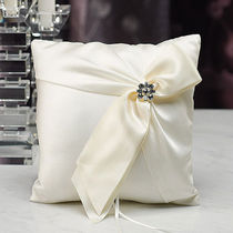 日本未入荷☆The Knot☆Beverly Clark Monroe Ring Pillow