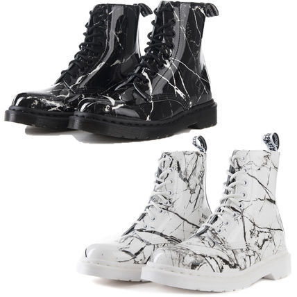 SALE Dr. Martens Pascal marble marble