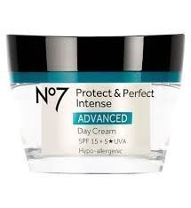 【Boots】No7 Protect & Perfectスペシャル4点セット
