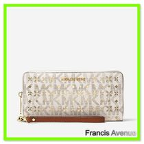 国内 Michael Kors Jet Set Perforated Logo Continental Wallet