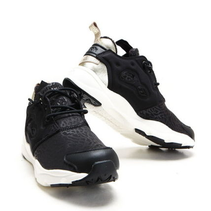 (リーボック) Reebok FURYLITE WINTER AR0002