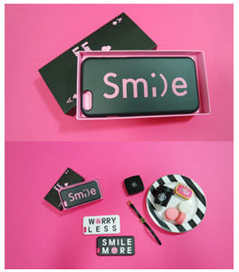 iPhone・スマホケース 「LuckyMe LuckyYou」 スマイル フォント SmileFont(2)