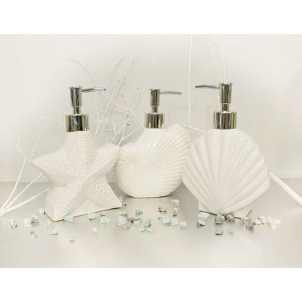 Ceramic shell soap dispenser + Beach Hawaii +