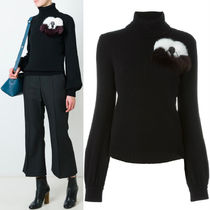 FE1005 TURTLE NECK SWEATER WITH 'FLOWERLAND' FLOWER APPLIQUE