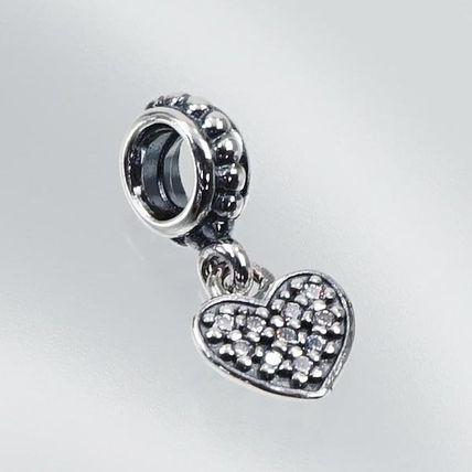PNDORA 791023CZ チャーム WHITE PAVE HAANGING HEART
