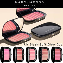 Marc Jacobs Beauty「エアーブラッシュ」ソフト グロー デュオ