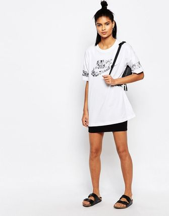 Nike Longline T-Shirt With Floral Logo