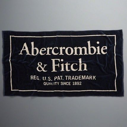 Abercrombie & Fitch タオル 【国内発】Abercrombie&Fitch ビーチタオル ネイビー