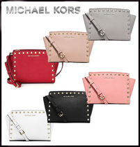MICHAEL KORS★SELMA SUTUDDED MEDIUM MESSENGER 国内発送!