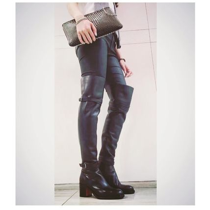 Anticipating autumn/winter thigh boots Christian Louboutin