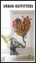 日本未入荷・新作☆UO限定**Happy Elephant Shower Curtain