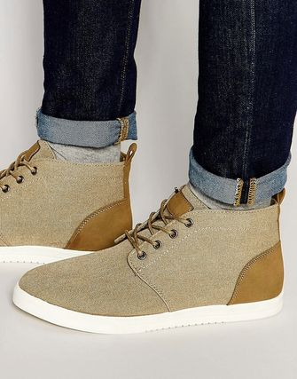 New Look Canvas Chukka Boots In Stone