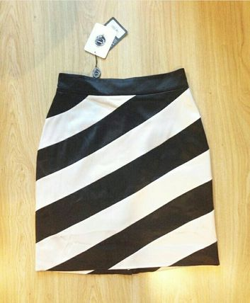 SRETSIS Skirt (US4) , (New)