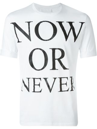Now or Never Tシャツ
