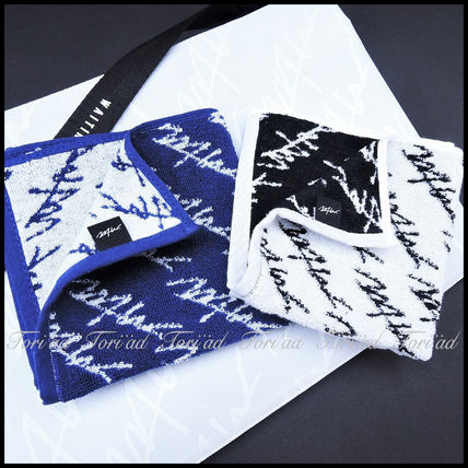 popular wtw ?) and a hand towel with logo