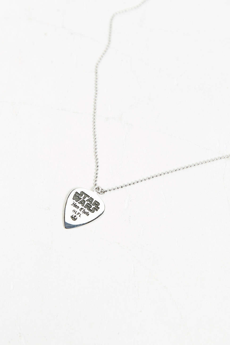 SALE_送込み_国内在庫_UO*Chewbacca Guitar Pick Necklace♪
