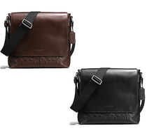 軽快なCOACH SMALL MESSENGER IN SIGNATURE CROSSGRAIN LEATHER