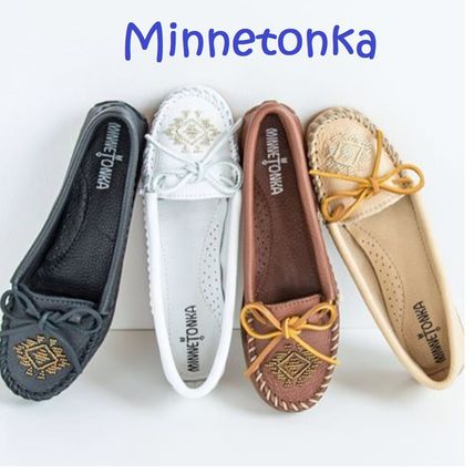 Minnetonka フラットシューズ Sale! Minnetonka DEERSKIN BEADED MOC