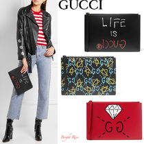GUCCI GucciGhost プリント レザー クラッチバッグ