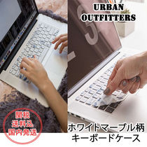 Urban Outfitters(アーバンアウトフィッターズ) ノートPC・デスクトップ Urban Outfitters▼ホワイトマーブル柄キーボードカバー関送込