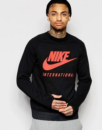 Nike International Crew Sweatshirt In Black