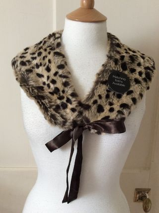 Tasty Primark faux leather with collar and leopard pattern