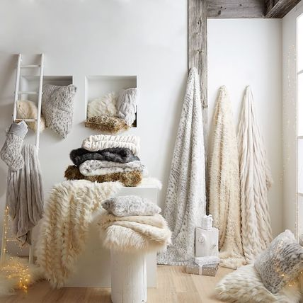 PotteryBarn Faux-Fur Ruched Throw blanket