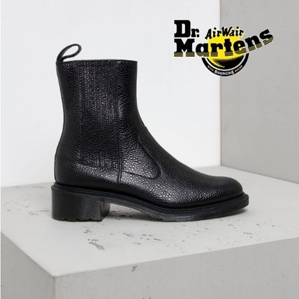 With Dr. Martens ELEANORE Chelsea boots