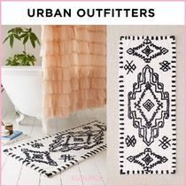 Urban Outfitters(アーバンアウトフィッターズ) ラグ・マット・カーペット 関送込☆国内発送☆Urban Outfitters☆ジオプリントバスマット