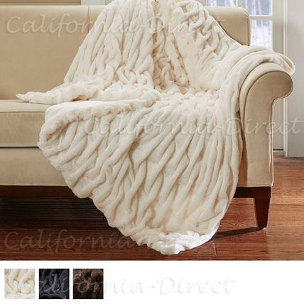 Hampton Hill faux leather Queen / King blanket