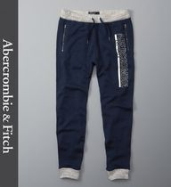 ★即発送★在庫あり★A&F★Zip Pocket Graphic Joggers★