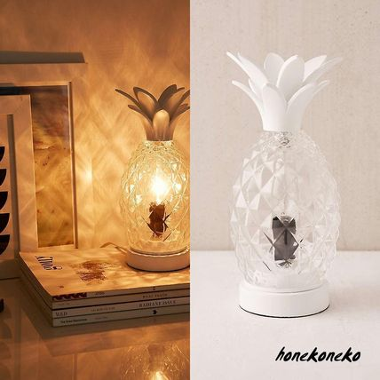 urabn outfitters pineapple table lamp