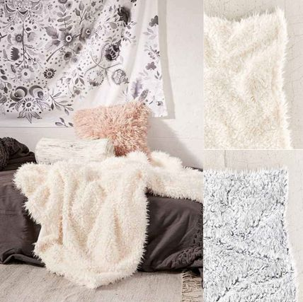New UO * fluffy faux leather blanket
