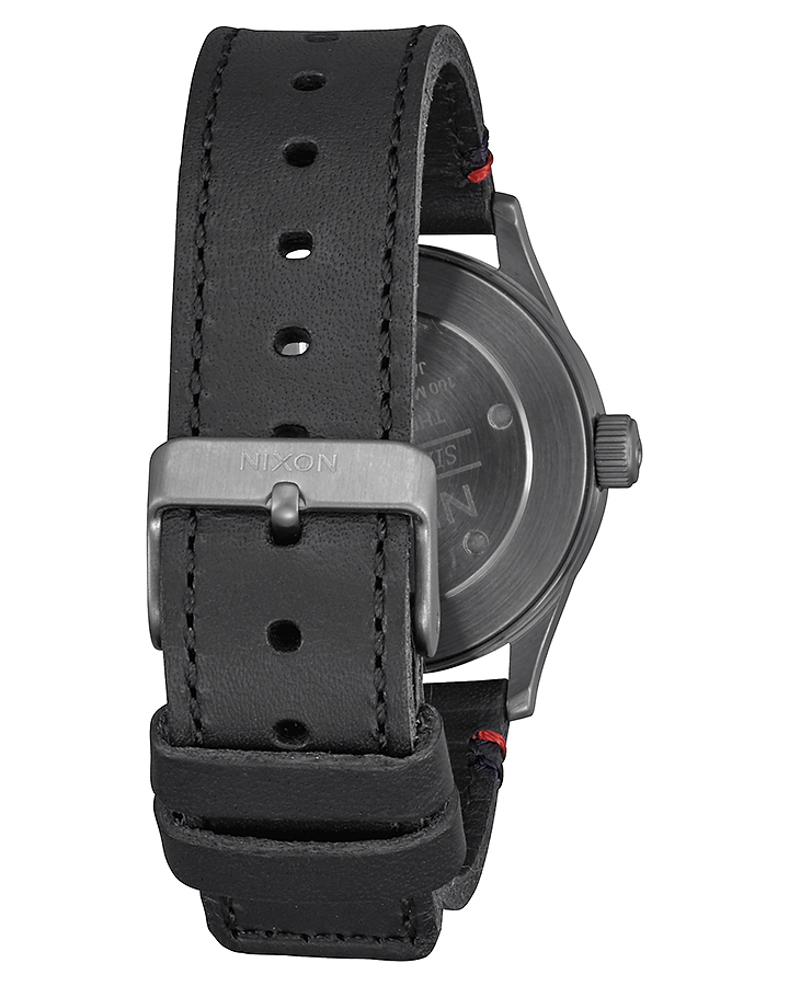 送関込★Nixonニクソン SENTRY LEATHER 38 mm Black Red A377486
