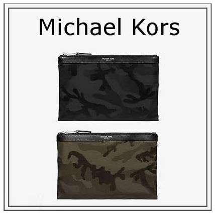 16 SS Michael Kors Kent camouflage travel Pouch