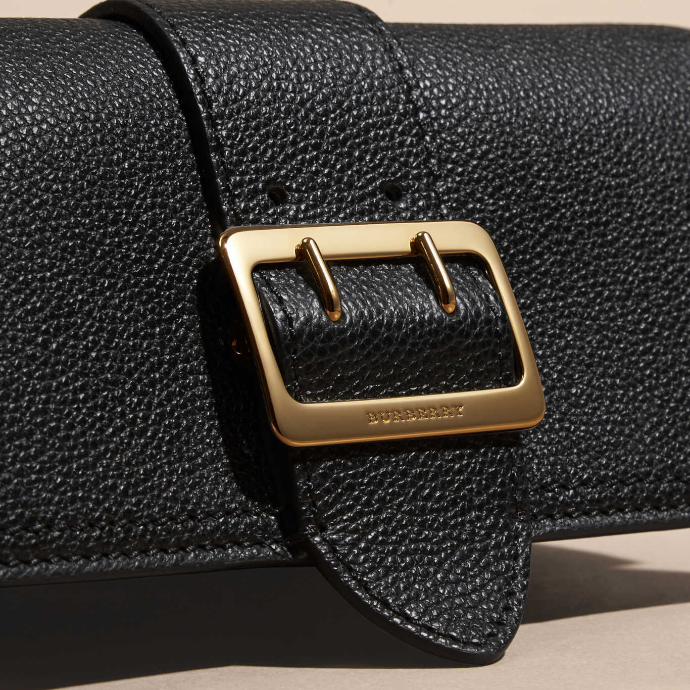 【 BURBERRY 】 Textured Leather Continental Wallet 長財布 黒